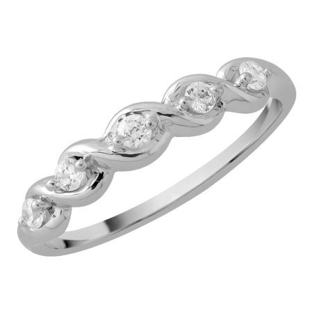 Five stone claw set round brilliant cut diamond ring in white gold\\n\\n11/03/2016 16:59