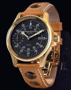 40mm Flieger, gold. Swiss ETA 6497-1.\\n\\n19.09.2017 15:41