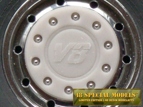 """V8 kursiv"" Truck Hub-Cap with nut protection ring for Tamiya Cooler Wide Rims, 1 Set, 1/14"
