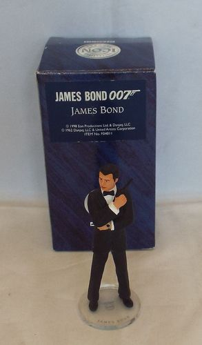 Corgi Icon James Bond Pierce Brosnan