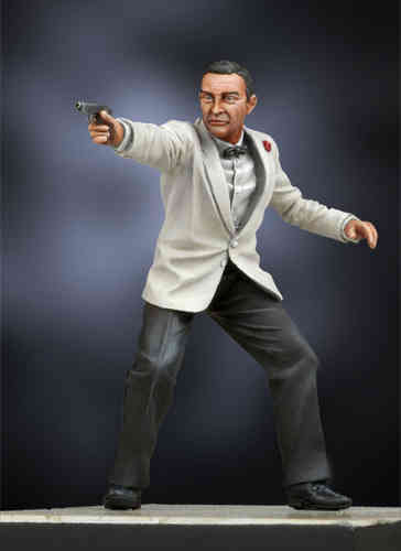 Figura James Bond smoking blanco