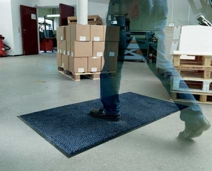 COMMERCIAL GRADE LOOSE LAY ENTRANCE MAT 150cm x 85cm....£62.49+vat