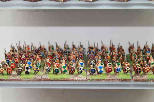 10mm Gothic infantry with spear and small round shield