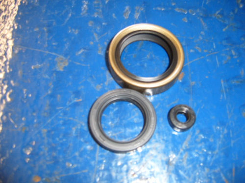 Type 9 gearbox oil seals