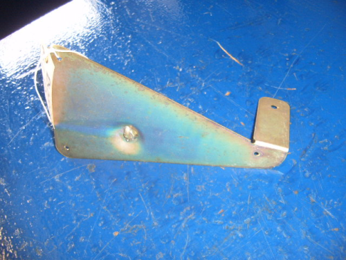 Escort Mk2, RS2000, Mexico. Washer bottle bracket.