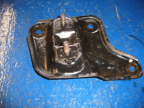 Escort Mk4 RS turbo n/s anti-roll bar bracket