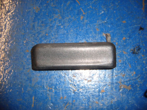 Escort & Fiesta outer dr handle-passenger side