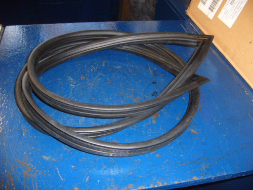 Escort Mk2 Ghia rear screen seal
