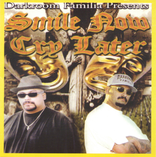 "DARKROOM FAMILIA ""SMILE NOW CRY LATER"" (USED CD)"