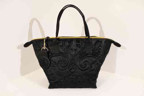 Audrey S Lilly black