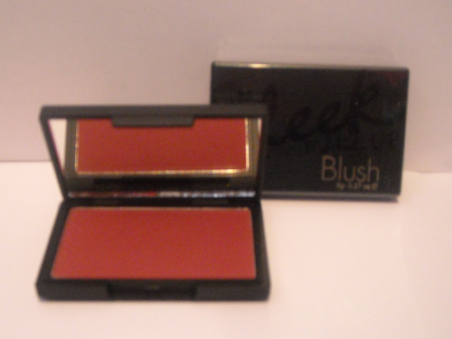 Sleek Make-Up- Blush 8g, 935 FLUSHED