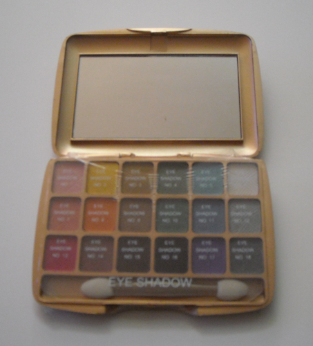 Doris Michaels- 18 Vibrant Eye Shadow Palette