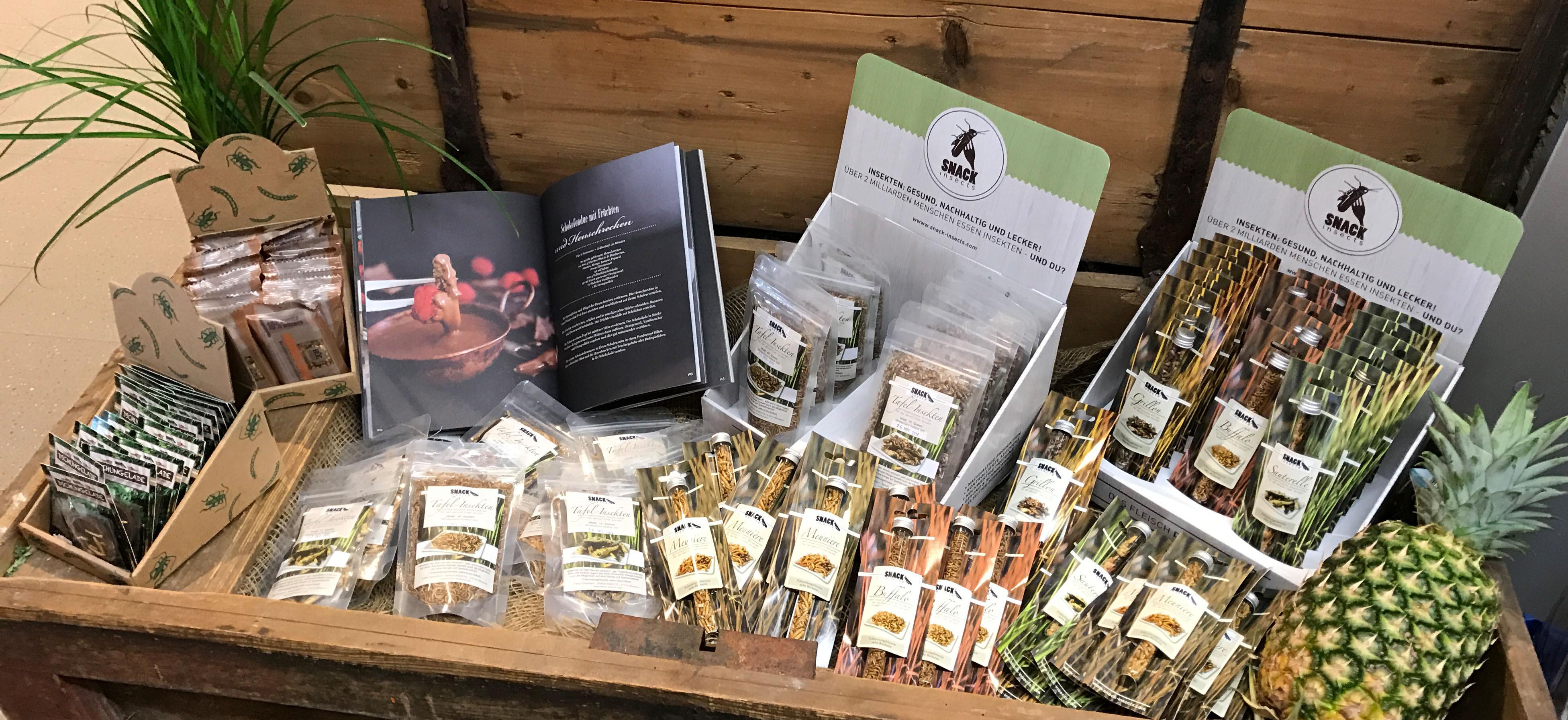 Snack-Insects_Produkte_im_Verkauf_eines_Supermarktes