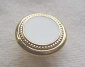 Gilded metallic rim button