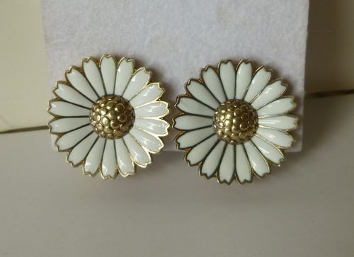 Viggo Pedersen Sterling large white enamel daisy ear clips