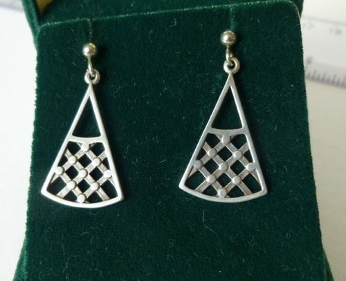 Ola Gorie rare Sterling silver drop earrings with posts