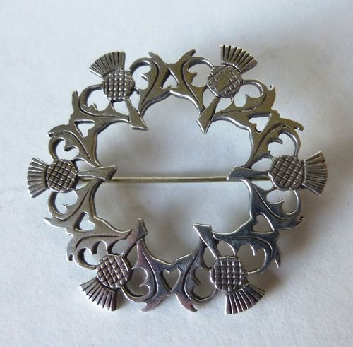 Ortak Scottish silver thistle brooch with box