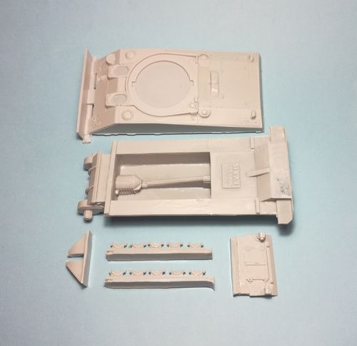 WVC48021, 1/48th scale M4A4 Sherman Hull conversion set (incl rear hull, fenders and 8 track links)