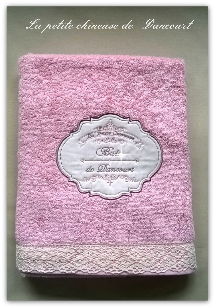 Serviette de bain rose