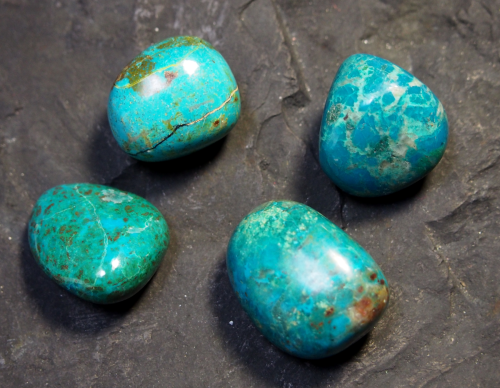 Chrysocolle - pierre roulée - chakra turquoise
