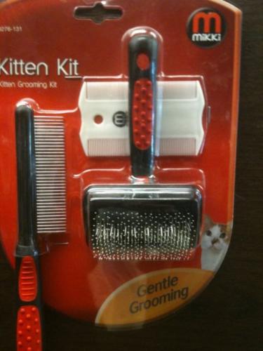 Mikki Kitten Grooming Kit .